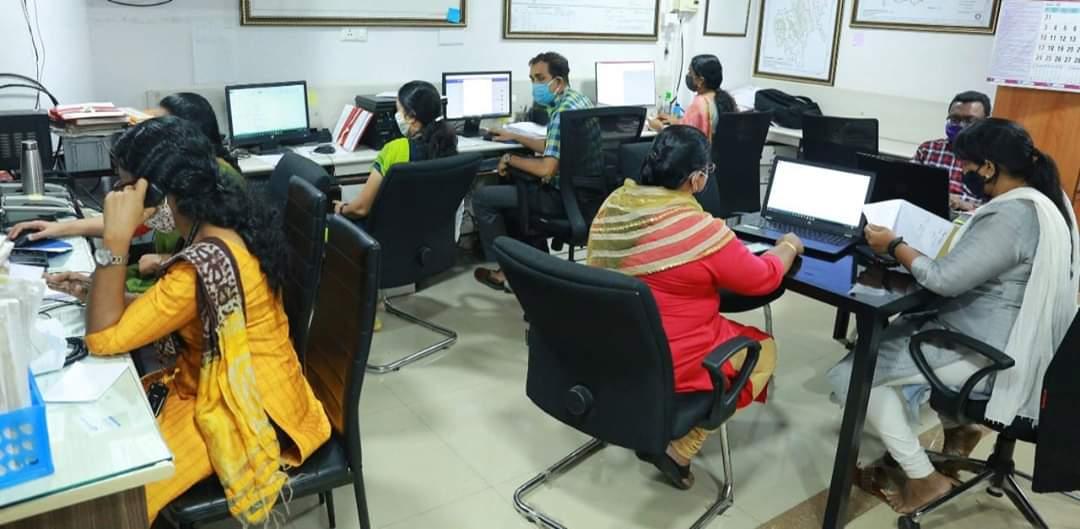 Photo of കാലവർഷം ആരംഭിച്ചു: ജാഗ്രത പുലർത്തി ജില്ലാ ഭരണകൂടം കളക്ടറേറ്റിൽ കൺട്രോൾ റൂം സജീവമായി